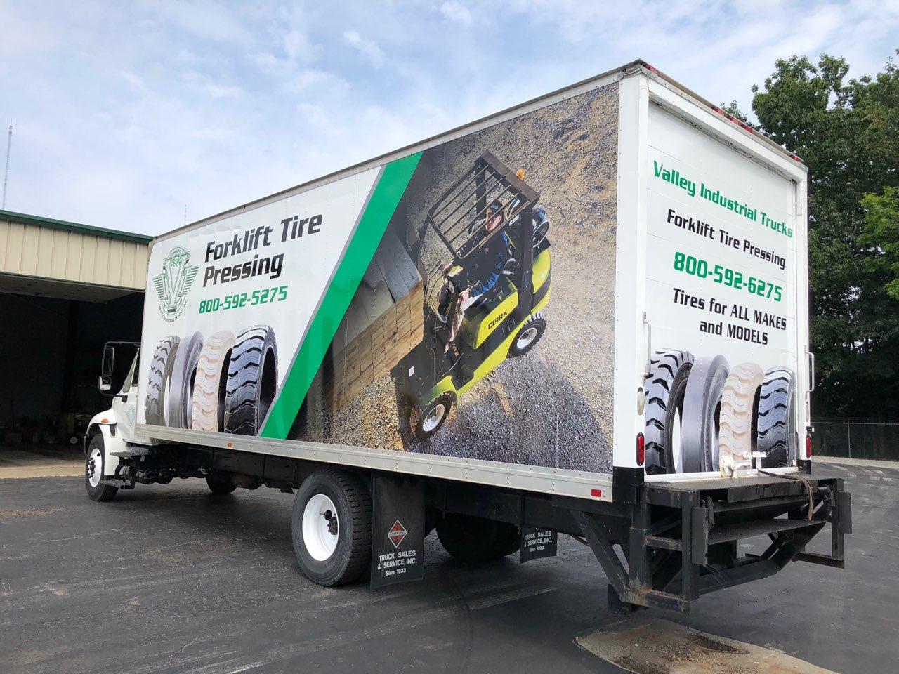 Forklift Mobile Tire Press